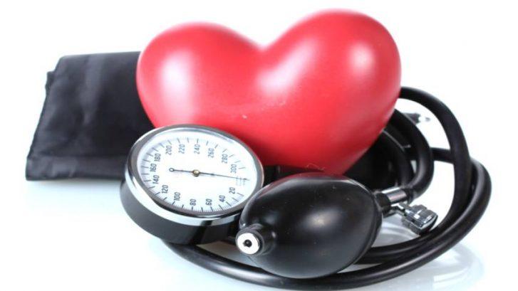 Vjezba–alat-za-snizenje-krvnog-tlaka-i-dobru-volju-adhara-ayurveda